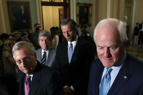 Republicans defy Trump on national emergency