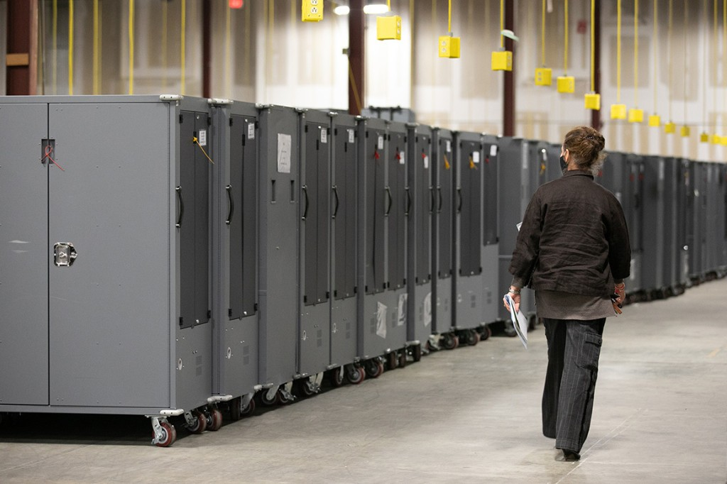 Judge freezes voting machines in 3 Georgia counties