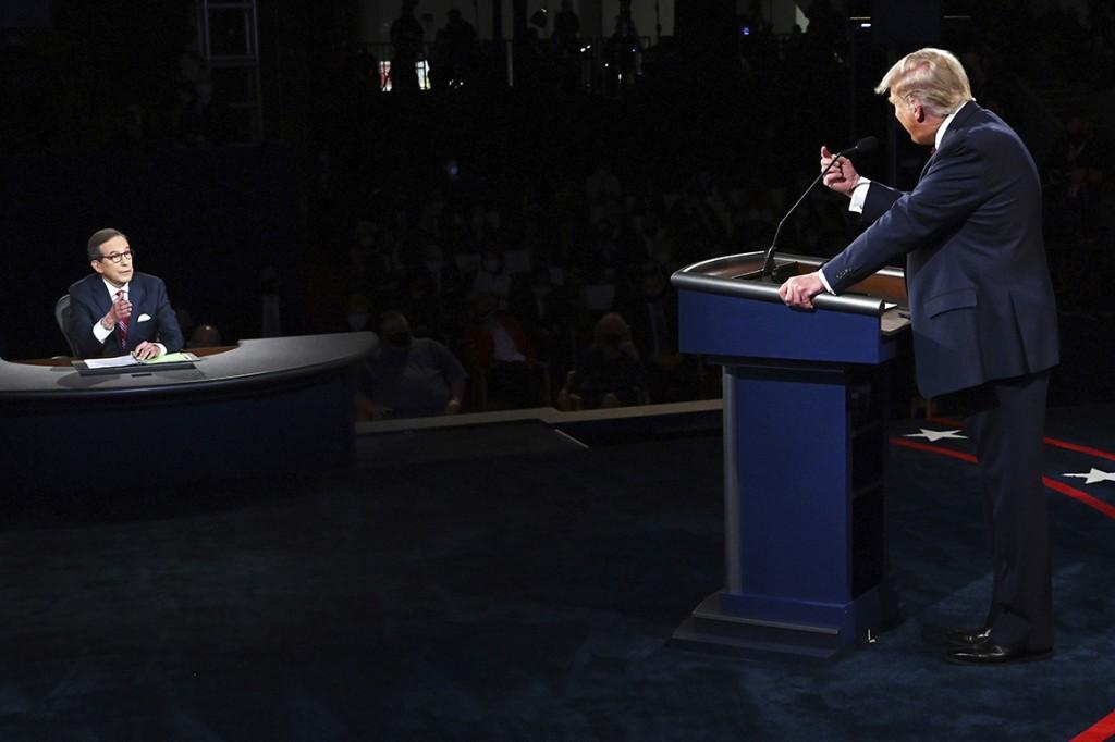 Trump continues jabbing at moderator Wallace in debate's wake