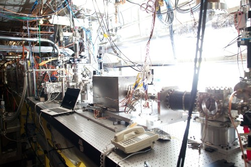 Experimental Particle Accelerator Boosts Electrons On A Wave