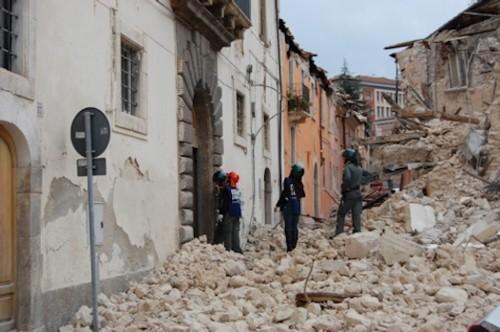 Flour Experiment Helps Explain Strange Lights Preceding Earthquakes