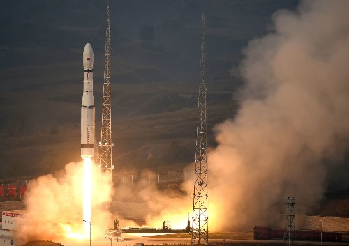LM-6 Rocket's First Launch Brings 20 Satellites Into Space