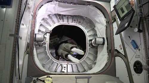 Astronaut Enters Inflatable Space Habitat For The First Time