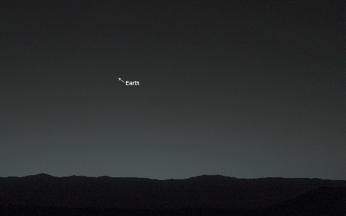 Big Pic: Curiosity Gazes At Earth From Mars