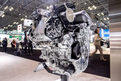 Look inside the coolest engines at the New York Auto Show