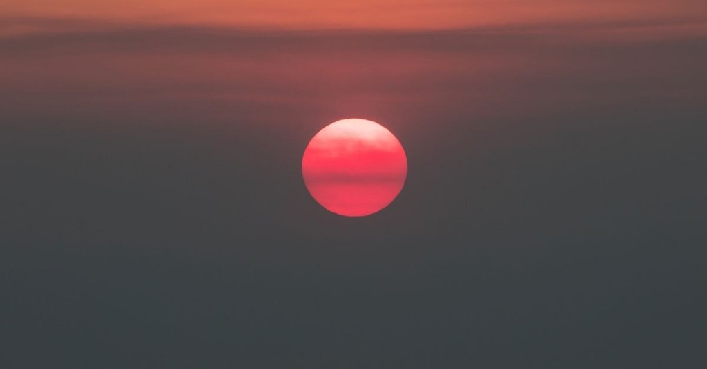 Why orange skies fill us with a sense of impending doom