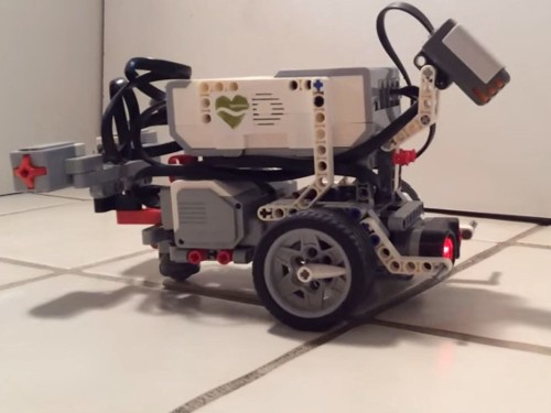 This Lego Robot Thinks Like A Worm—And Soon You Can Build Your Own