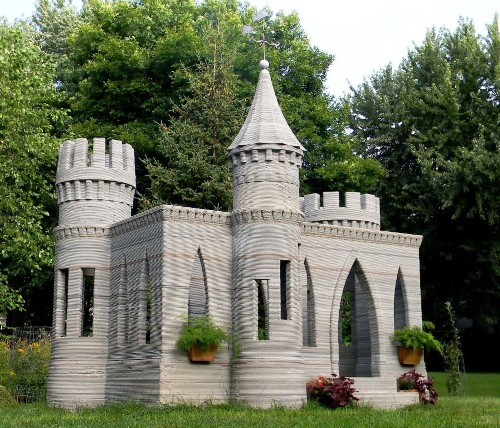Man 3-D Prints A Concrete Castle In His Backyard