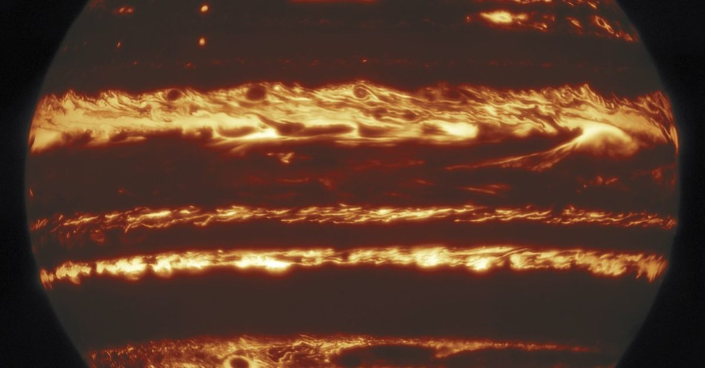 Jupiter has a spooky new look in this sharp infrared photo