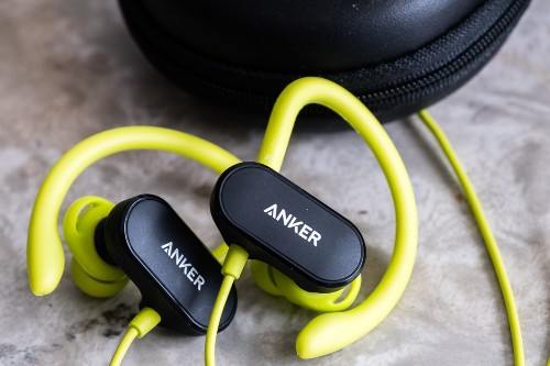 Anker Soundbuds Curve are champions among cheap, wireless headphones