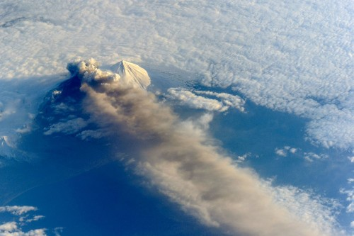 Big Pic: Eruption Of Alaska's Pavlof Volcano, As Seen From The International Space Station