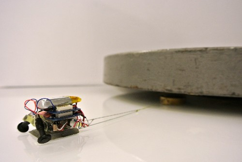 Watch A Tiny Robot Pull Something Nearly 2,000 Times Its Size [Video]