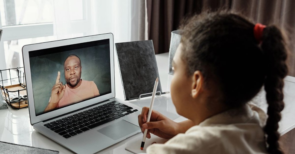 Long-distance learning could help us democratize education