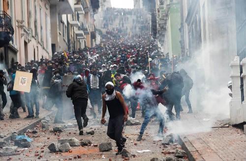 Ecuadorean protesters raise heat on defiant Moreno