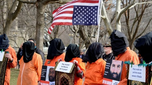 US psychologist who used torture testifies for first time in open court