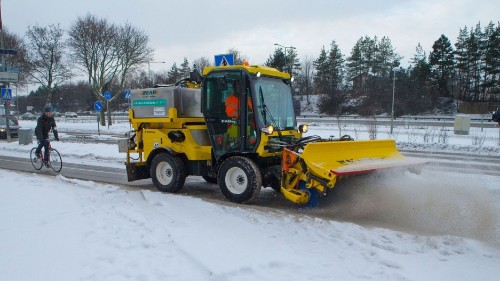 Snow on the roads in Sweden — no problem