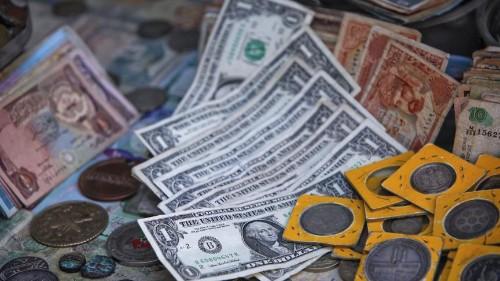 U.S. Congress reopens debate over replacing dollar bills with coins