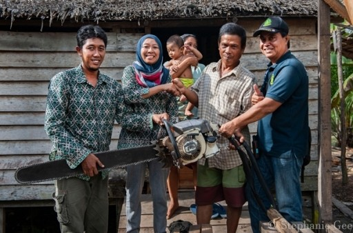 In Borneo, healthy people equals healthy forests