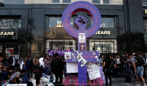 Thousands join march to fight against femicide in Mexico