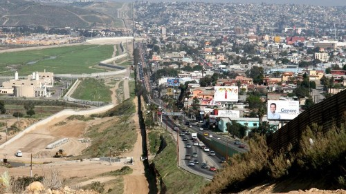 Mexican journalist urges U.S. to act cautiously when beefing up border security