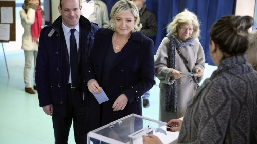 French voters toss out the status quo in local elections