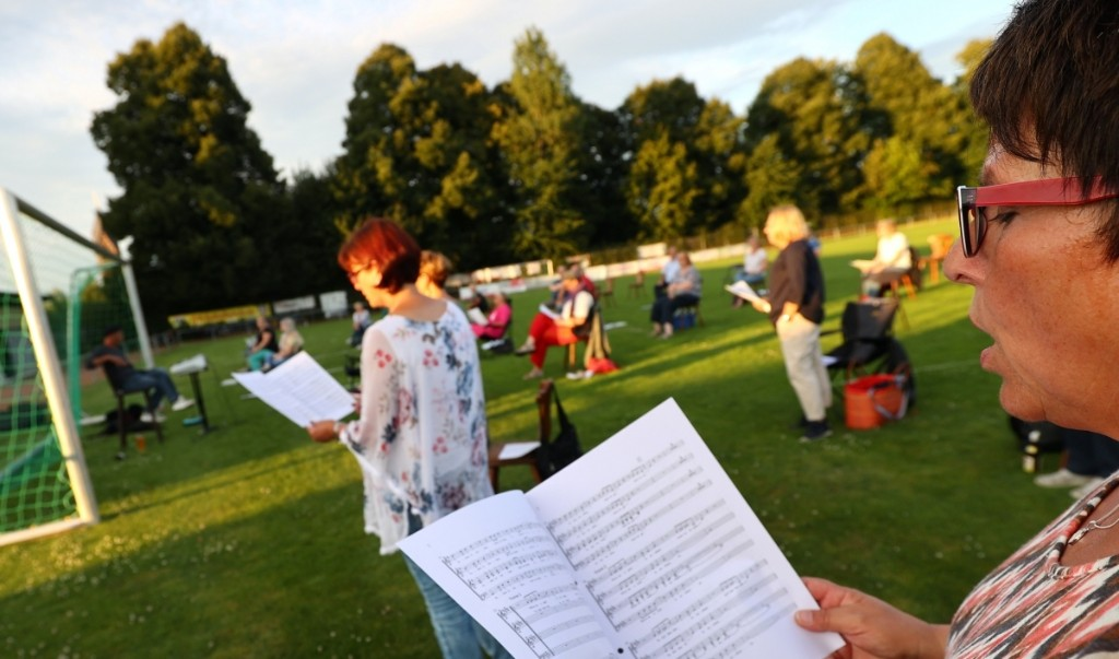 Choirs in the age of coronavirus: A new study looks at the risks of singing