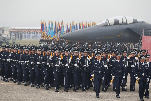 South Korea wants to draft more men for its shrinking military — and punish those who dodge
