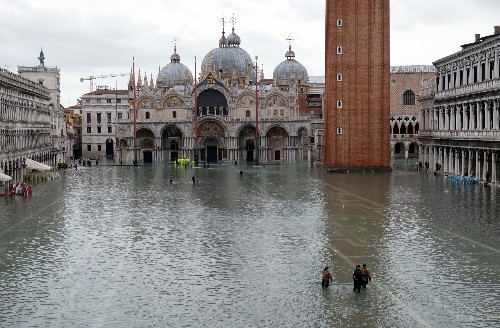 Venice floods: Historical myths may attract the aid city needs