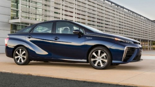 What will we be driving in the future? Electric vs. hydrogen fuel cell vehicles.