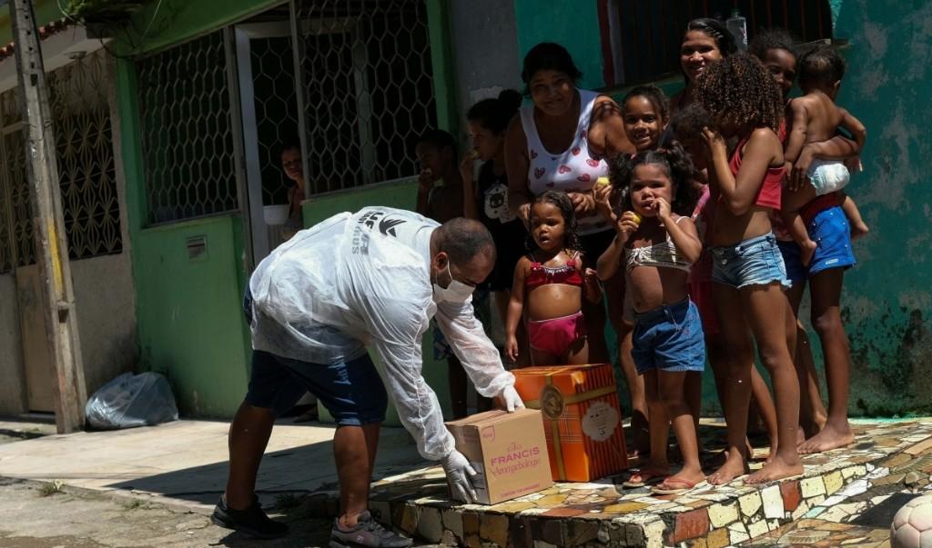 Brazilians protest Bolsonaro's handling of the coronavirus pandemic