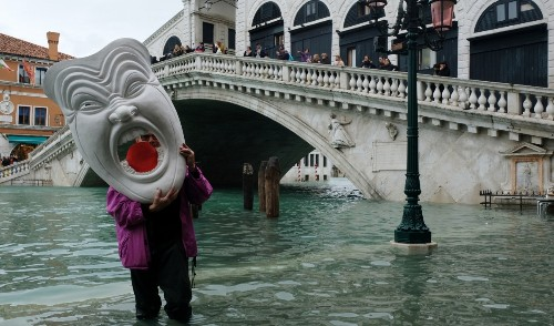 Venice floods: Historical myths may attract the aid the city needs