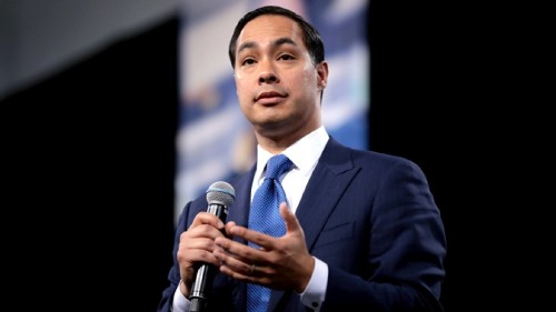 Julián Castro makes climate change a central theme of his presidential campaign