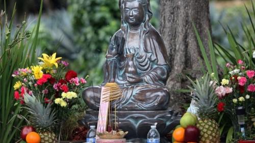 How a Buddhist shrine transformed a neighborhood in Oakland