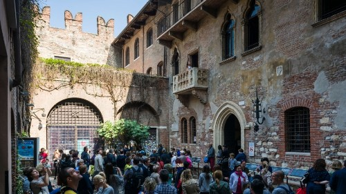 Letters from Juliet offer love, hope and human connection