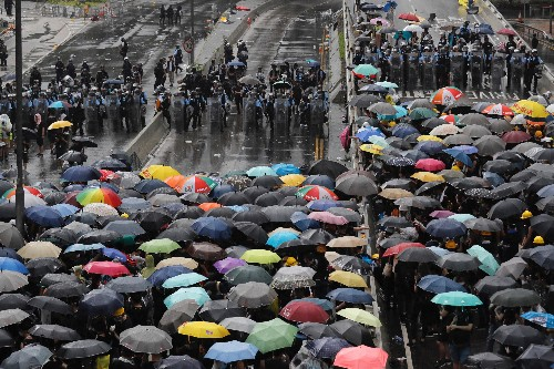 Hong Kong protesters crowdfund legal and medical fees