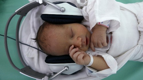 Babies' brains are wired to learn multiple languages at once