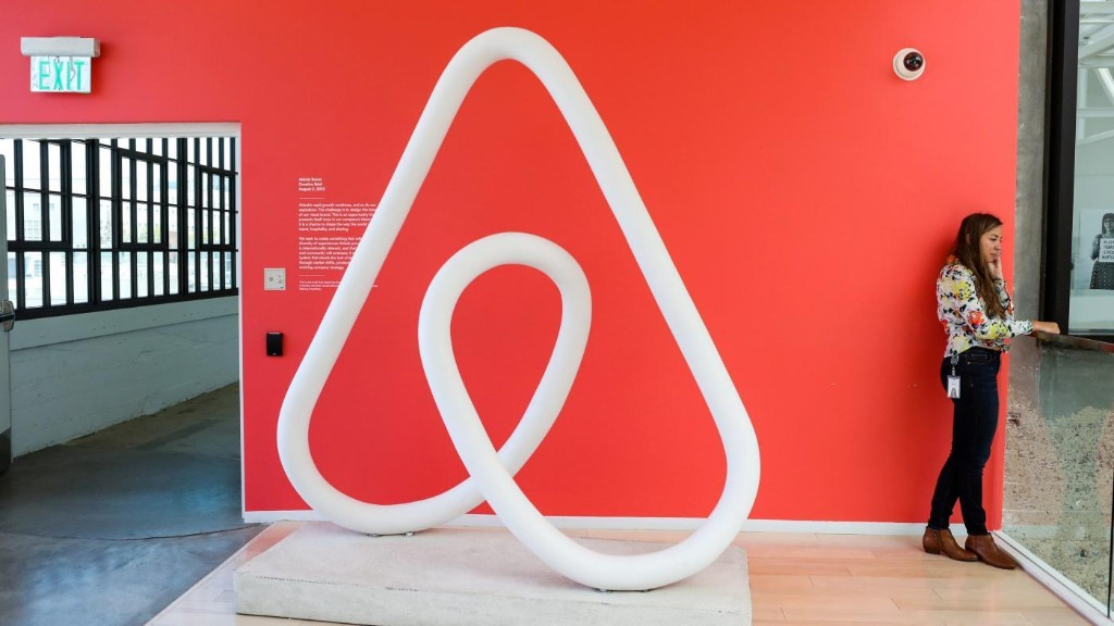 Airbnb has hired the head of Amazon Prime to run its home-sharing business