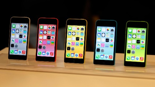 Apple's plastic iPhone experiment looks like it's failing