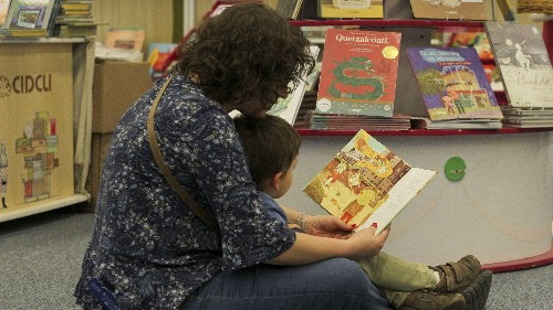 Three of the best ways to read books to kids, backed by science