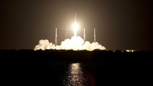 2015 will be the year of SpaceX's reusable rocket