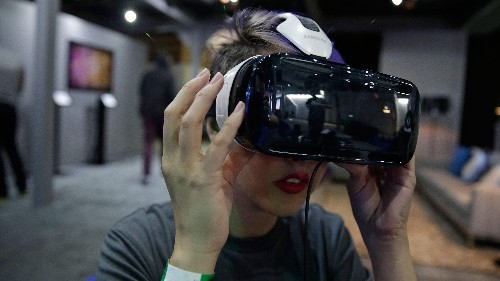 Mark Zuckerberg wants people to eventually wear Oculus virtual reality goggles in public