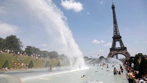 Photos: Europe's heatwave brings dangerous temperatures to Paris