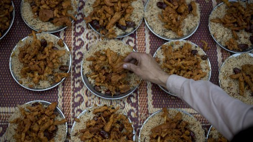 What Muslims around the world eat to break their fast during Ramadan