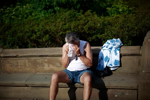 Extremely hot weather makes people more unhappy than getting a divorce
