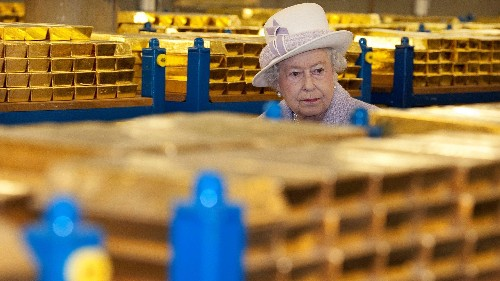 As a hard Brexit looms, Brits are stockpiling food and prepping to evacuate the Queen