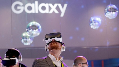 Samsung's new phones are so boring that it's using VR to stand out