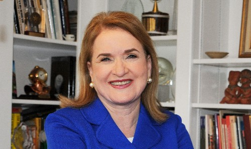 Rep. Sylvia Garcia tells young women to stay focused