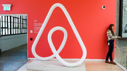 Airbnb hired Amazon Prime's Greg Greeley to run its home-sharing business