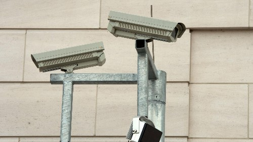 Thousands of security cameras in the US can easily be hacked