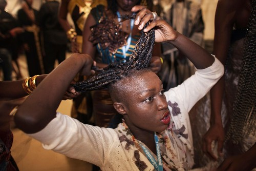 "Senegalese women are redefining the meaning of ""natural hair"""